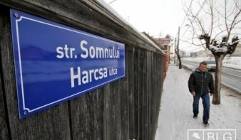 Tizenöt új kétnyelvű utcanévtábla Marosvásárhelyen