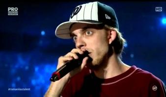 Magyarul rappelő srác is továbbjutott a Romanii au Talent tehetségkutatóban
