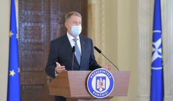 Iohannis: hétfőtől mindenütt kötelező a maszkviselés, éjszakai kijárási tilalom lép érvénybe az oltatlanoknak