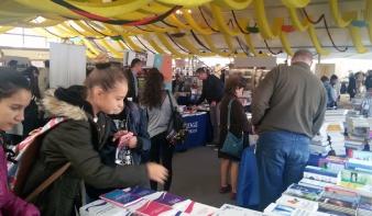 Nemzetközi könyvfesztivál nyílt a kolozsvári főtéren