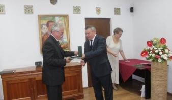 Magyar állami elismerések a közösségépítésért