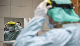 Magyarország: az azonosított fertőzések száma 817-re emelkedett