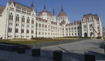 Március 15-én adják át a felújított Kossuth teret