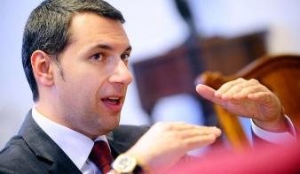 Partiumi városokat is érintő vasútvonal megépítését javasolja Lázár János kormánybiztos