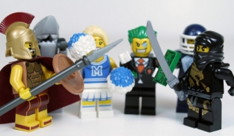 Egyre több az erőszak a Lego termékkatalógusokban