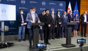 Szombattól kilenc napra lezárják Szlovákiát