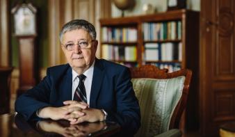 Átvette a matematika legrangosabb nemzetközi díját Lovász László
