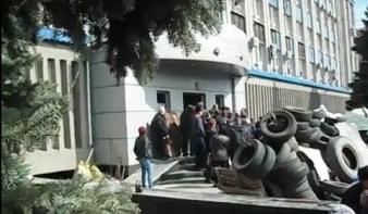UKRAJNA: Nagy a balhé Luhanszkban