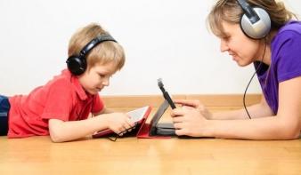 A legrosszabb, amit tehetünk, hogy eltiltjuk a gyereket a számítógéptől