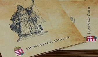 600 ezren tették le eddig a magyar állampolgársági esküt