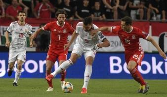 Győzelem Wales ellen, csoportelső a magyar válogatott