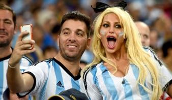 Messi beindította Argentínát, Bosznia belőtte első vb-gólját