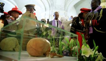 Németország elismerte a gyarmati népirtást, egymilliárd eurót fizetnek Namíbiának