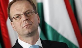 Navracsics bekérette a román nagykövetet