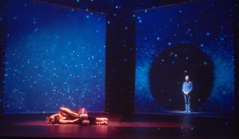 Kómából ébred Nóra a kolozsvári színház új Ibsen-előadásában