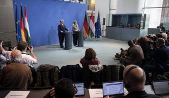 Angela Merkel: Közös úton jár Németország és Magyarország