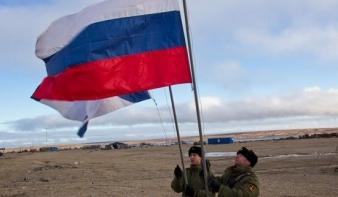 Putyin még az északi-sarkvidékre is csapatokat küld