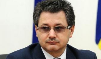 A felsőoktatásért felelős miniszter szerint az árvíz szerencsét hoz a kampányban