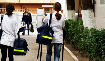 Hogyan állítható meg a magyar orvosok elvándorlása?