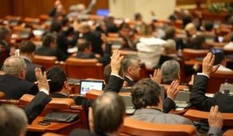 Pénteken szavaznak a kormány sorsáról
