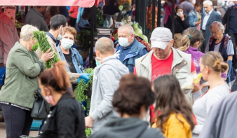 Nem félnek a fertőzéstől az erdélyi magyarok, akiknek 30 százaléka nem is hisz a koronavírus létezésében