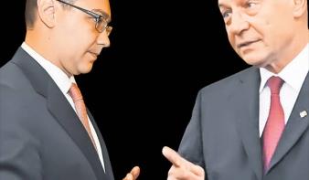 Ponta és Basescu csatározása befolyásolja a szavazói szándékot