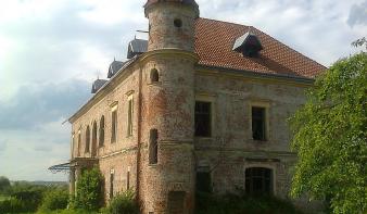 A Máramaros Megyei Tanács hajlandó megvásárolni a pribékfalvi Teleki-kastélyt