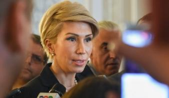 Az ellenzéki pártok benyújtották alkotmánymodósító javaslataikat