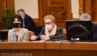 Megvonta a bizalmat Renate Weber ombudsmantól a parlament