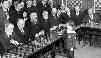 """""""A sakk az értelem próbaköve"""""""