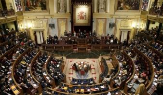 A spanyol kormány a katalán kormány feloszlatását kezdeményezte