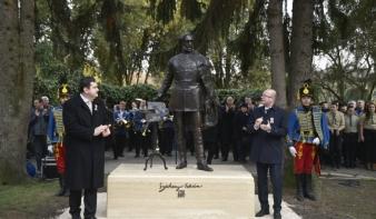 Visszatérés a város szívébe - Szobrot kapott Szatmárnémetiben a legnagyobb magyar