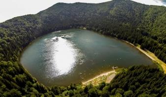 Idén nyártól tilos a Szent Anna-tóban fürödni