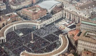 Bátor pápák voltak: Szent XXIII. János és Szent II. János Pál