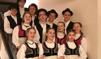 Évadzáró és búcsúztató táncház a Hollósy Magyar Házban