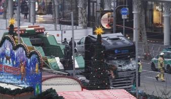 Tunéziai lehet a menekülő berlini terrorista