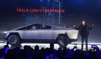 Nagy az érdeklődés Elon Musk új autója iránt