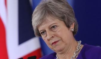 Egyre nagyobb bajban Theresa May