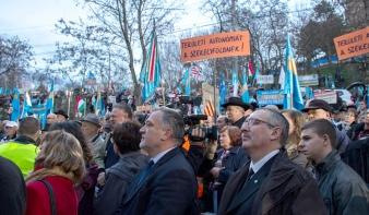 Az Erdélyi Magyar Néppárt kiáll az SZNT mellett a március 10-i rendezvény kapcsán