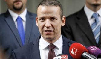 Toroczkai bejelentette: szakad a Jobbik