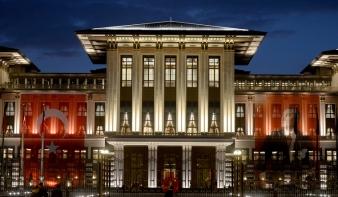 A világ legnagyobb palotájába költözik a török elnök