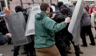 Gondolkodóba ejtette a Nyugatot az ukrán helyzet