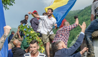 """Ügyész: nem uszítás a """"Ki a magyarokkal az országból!"""" jelszó harsogása"""