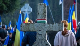 Brüsszel a gyűlöletbeszédre vonatkozó uniós jog átültetésére szólította fel Romániát, az RMDSZ szerint Úzvölgye miatt
