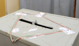Mától lehet felvenni a szavazási levélcsomagokat a külképviseleteken