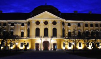 Befejeződött a nagyváradi püspöki palota külső felújítása