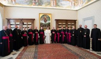 Biztatás a szentatyától: nyitottnak mutatkozik a pápa az erdélyi látogatásra