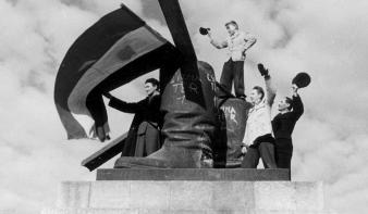 Faludy György: 1956, Te Csillag