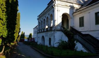 """Eladták a zsibói Wesselényi-kastélyt a Szilágy megyei önkormányzat """"orra elől"""", per lesz a vége"""