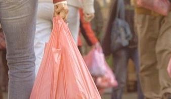 Betiltják Vallóniában a műanyagzacskót